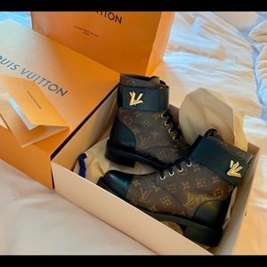 Louis Vuitton Shoes - Louis Vuitton wonderland flat ranger boots